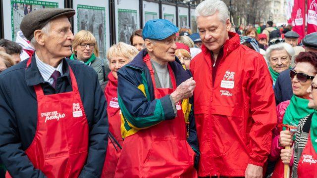Собянин заложил «Аллею 100-летия первых субботников». Фото: официальная страница мэра Москвы в социальных сетях