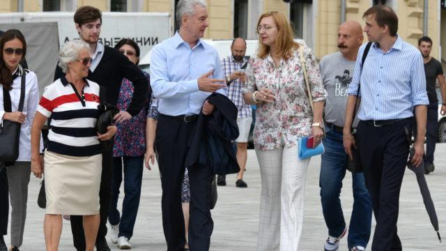 03 августа 2016 Мэр Москвы Сергей Собянин осмотрел ход благоустройства площади Мясницкие ворота