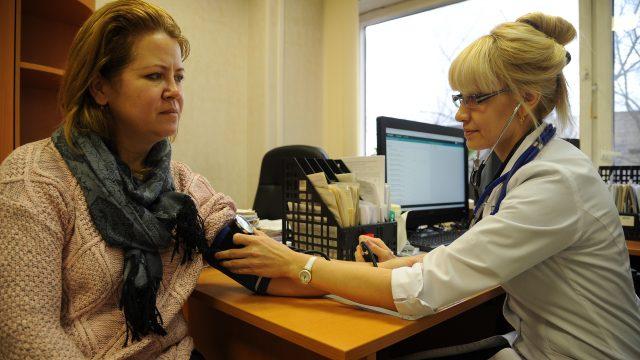 Почетный статус «московский врач» имеют уже более тысячи медиков. Фото: архив