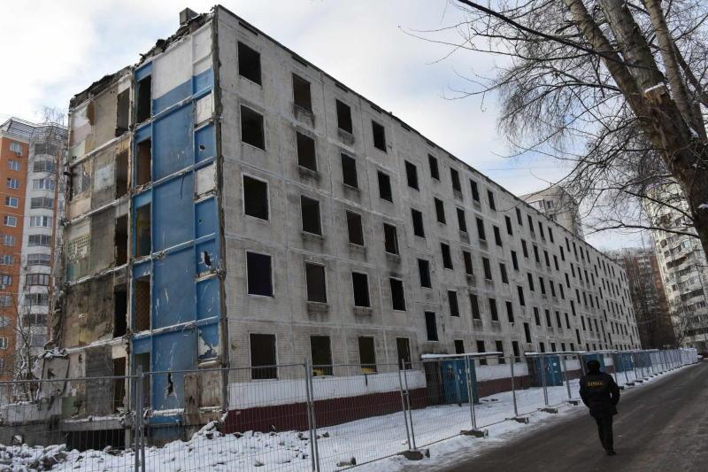 Дума 20 апреля рассмотрит законопроект о реновации пятиэтажек. Фото: архив
