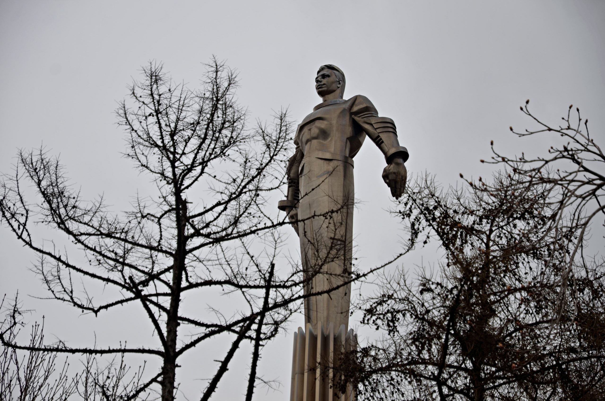До конца месяца в столице промоют свыше 1 100 памятников. Фото: Анна Быкова